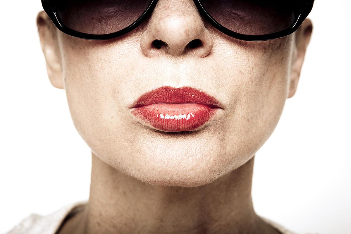 Poträt von Silvia mit Sonnenbrille